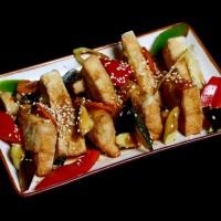 agedashi tofu – 15zł smażone tofu podawane z warzywami