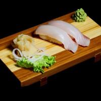 buri - 25zł / nigiri sushi z rybą yellowtail