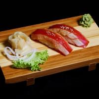 maguro yaki - 20zł / nigiri sushi z podpieczonym tuńczykiem