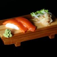 sake - 14zł / nigiri sushi z łososiem