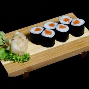 sake maki- 16zł /maki z łososiem 6 szt.