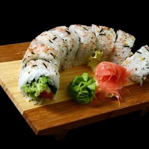 sake tempura maki - 32złtempura maki z łososiem w cieście tempura, sałatą, ogórekiem, majonezem i sezamem, 8 szt.