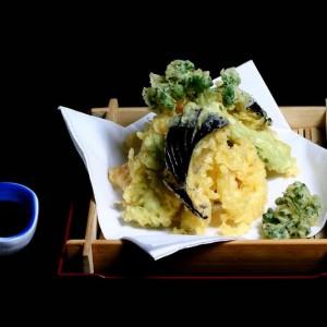 yasai tempura - 25zł / zestaw warzyw sezonowych w cieście tempura