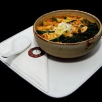 haemul ramen – 28zł / koreańska, ostra zupa RAMEN z makaronem, owocami morza i warzywami