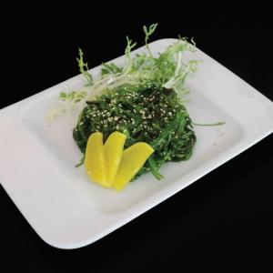 goma wakame - 10 zł  japońska sałatka z marynowanej trawy morskiej