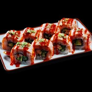 grilled sake chilli roll - 35zł / smażony łosoś, awokado i ogórek, zawinięte w opiekanego łososia, polane sosem chilli i posypane groszkiem wasabi