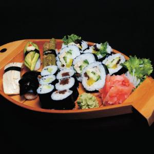 minori set - 45 zł  nigiri - 1 x awokado, 1 x szparag, 1 x shitake, 1 x omlet maki - 3 x avocado maki, 3 x kappa maki, 5 x vegetarian futomaki