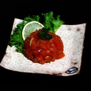 sake tartare – 25zł / tatar z łososia